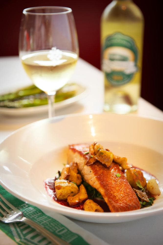 smith & wollensky - reserve online + menu & reviews - easton