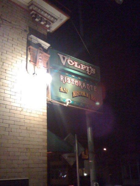 Volpis ristorante bar menu reviews 122 washington for Food bar petaluma