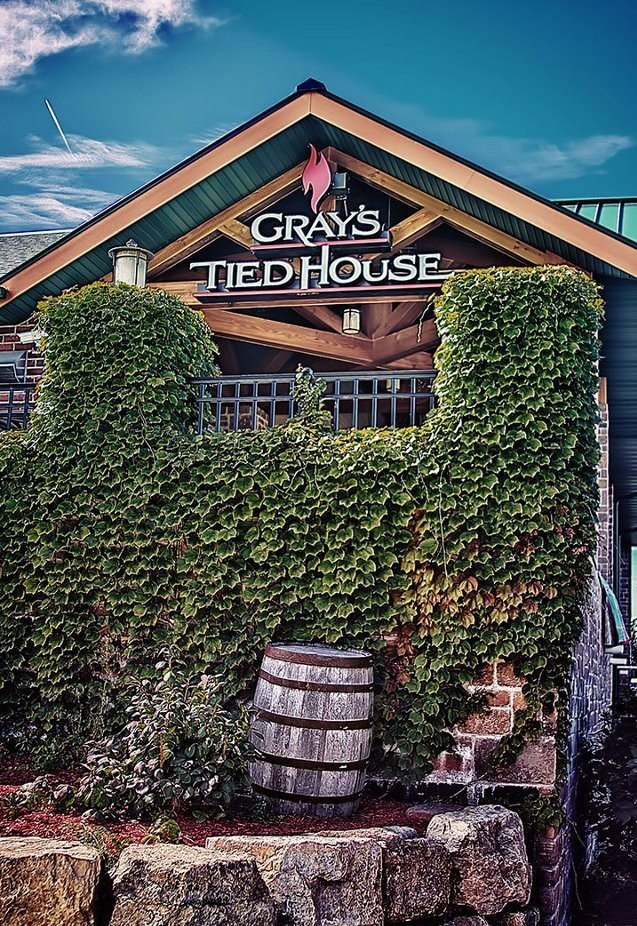 im at Gray's Tied House