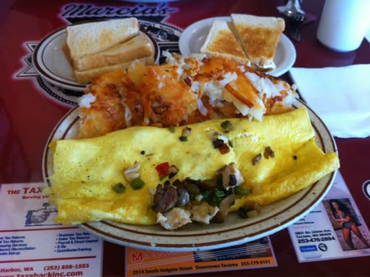 Chicken omelet with hashbrowns & toast 11.49