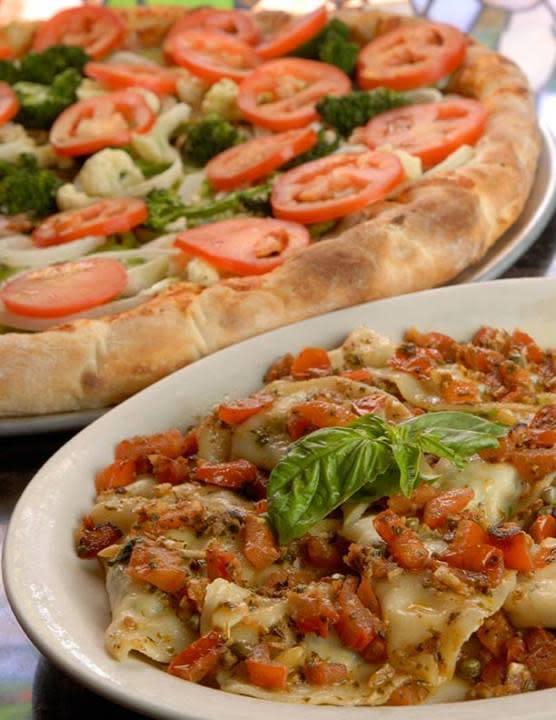 Vegetarian Pizza & Mezzaluna/Tortellini
