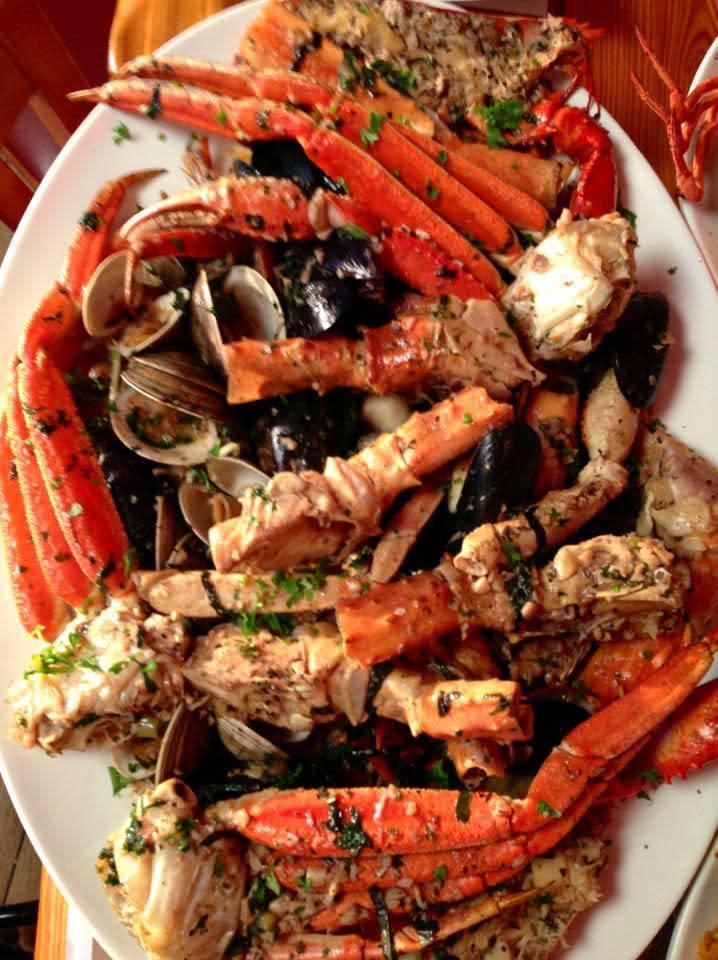 Sammy 39 s shrimp box menu reviews city island bronx for Loves fish box menu