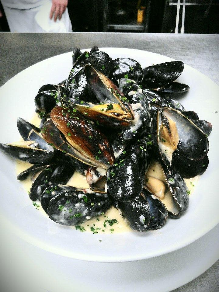 Mussels at Acqua