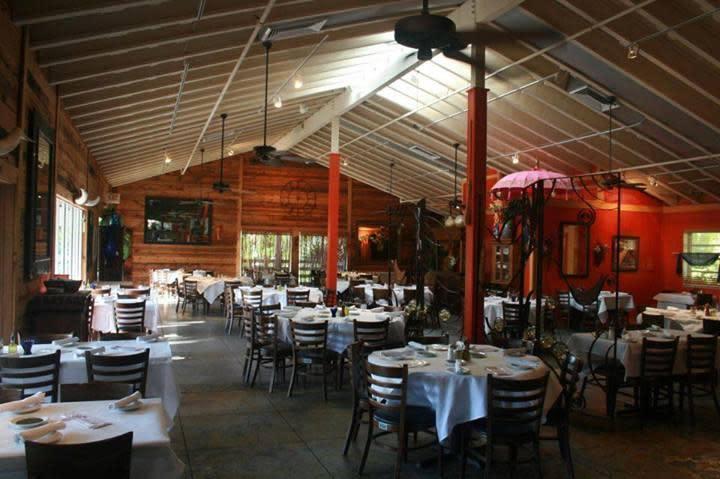 Sanibel Fl Traders Restaurant