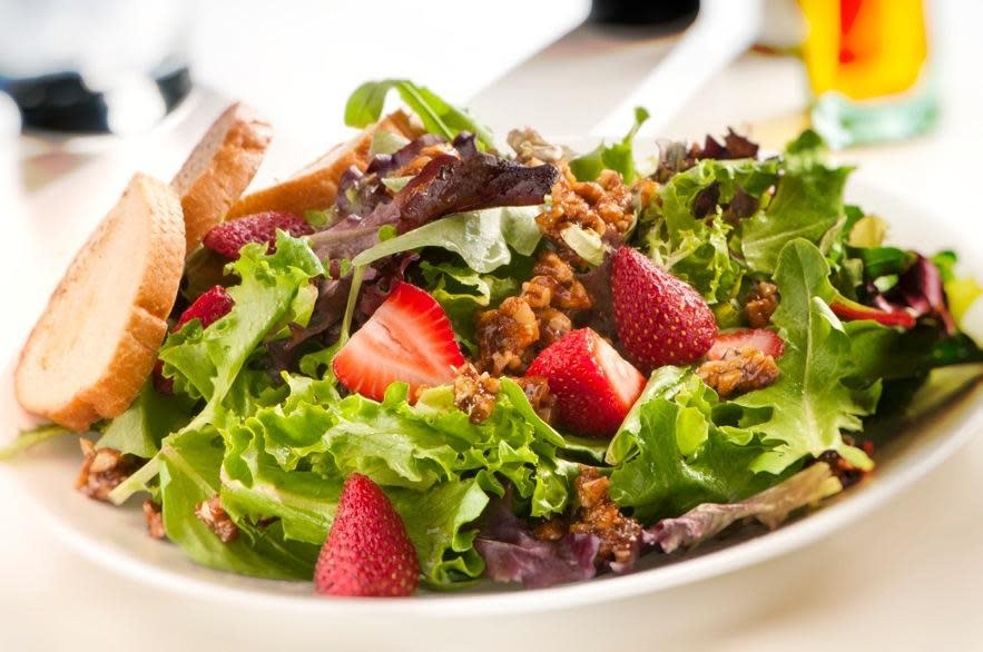 BerryGood salad at Marioli Meals to Gourmet