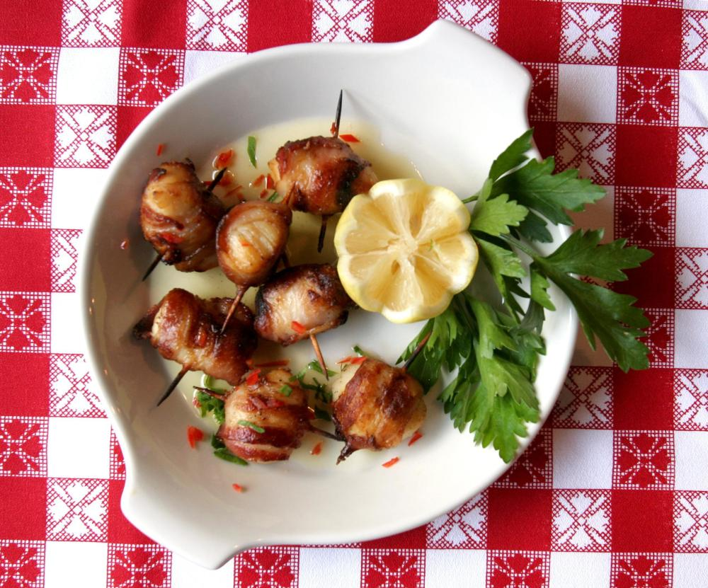 Scallops Wrapped in Bacon Photo