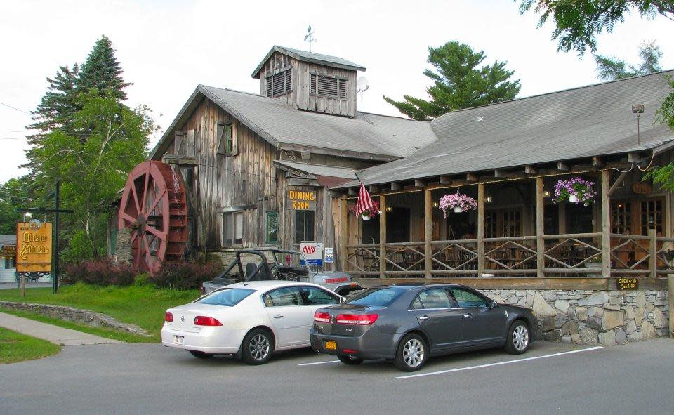 PhotoSPB7a at Old Mill Restaurant