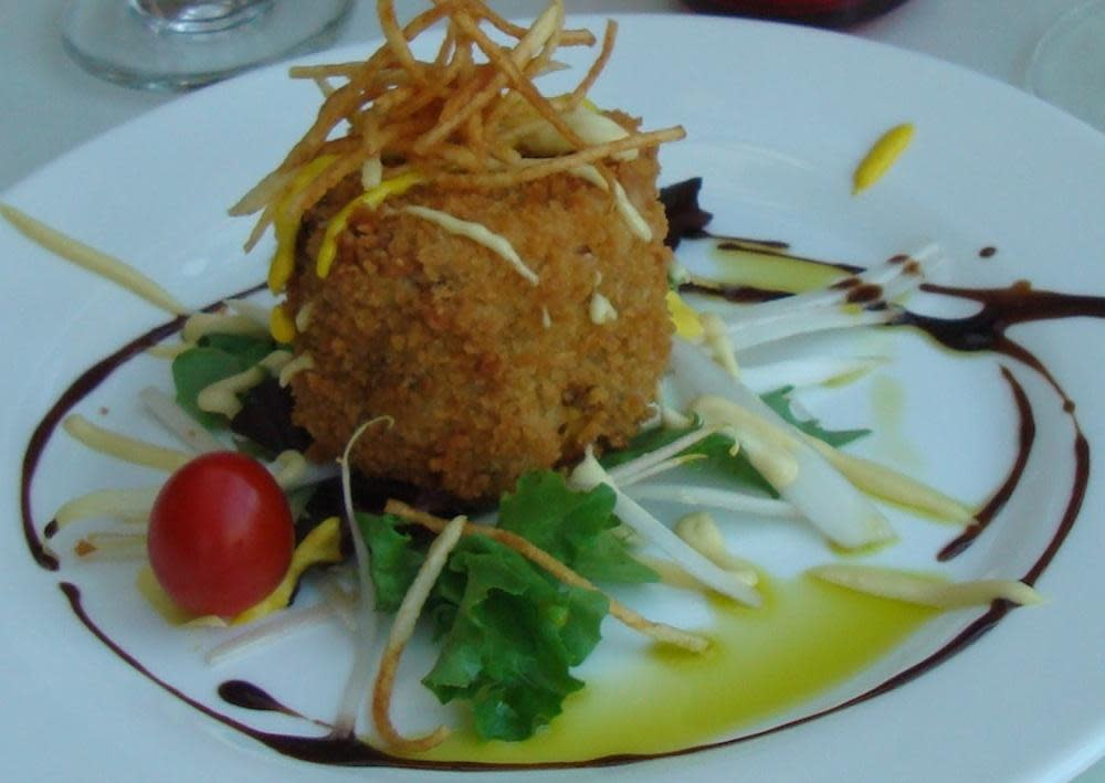Maryland Crabcake at Caffe Capri