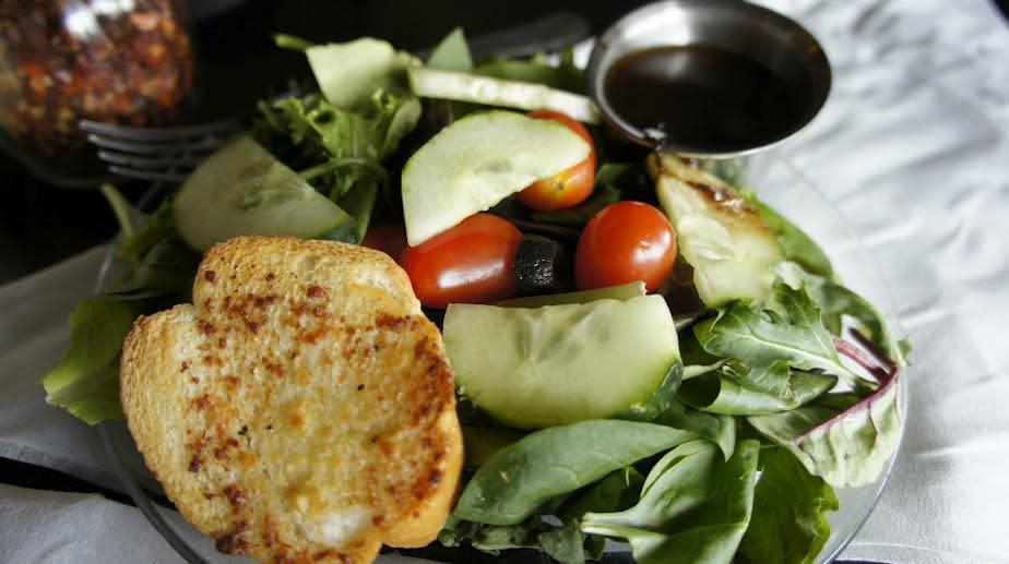 salad at Pomodoros