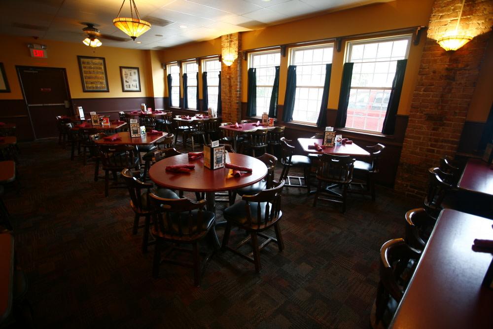 PhotoSPKPn at Sharp Edge Restaurant & Bar
