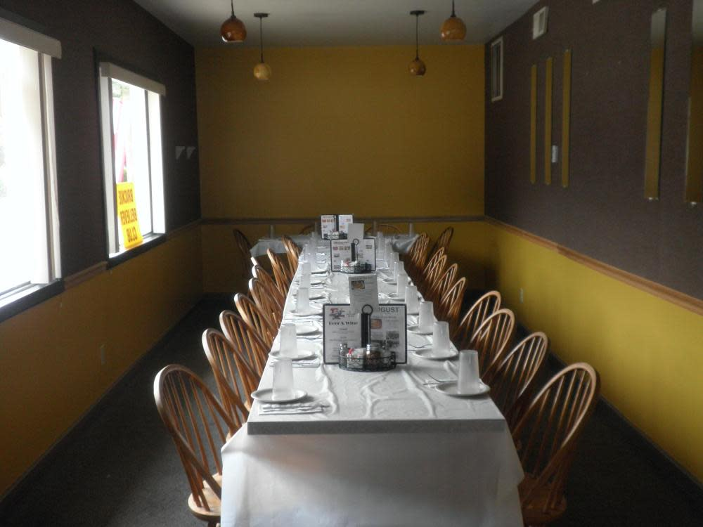 Banquet Room at T's Pizza