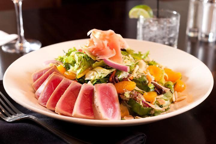 Asian Salad with Seared Tuna Photo 24