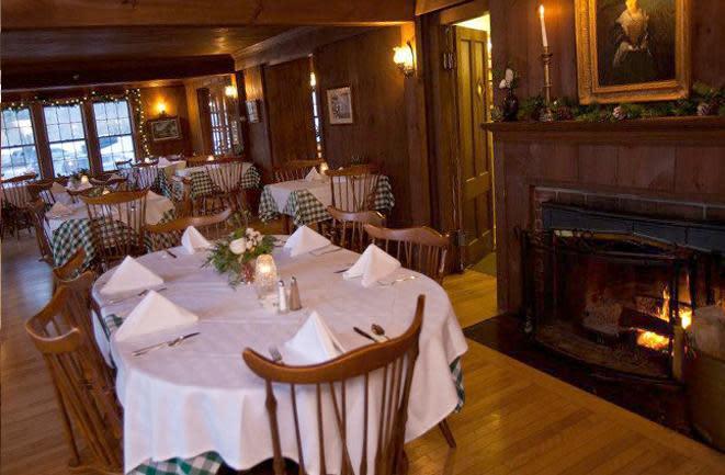 West Mountain Inn Restaurant Arlington - Table mountain inn restaurant