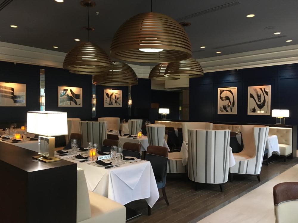 Main Dining Room Photo 40