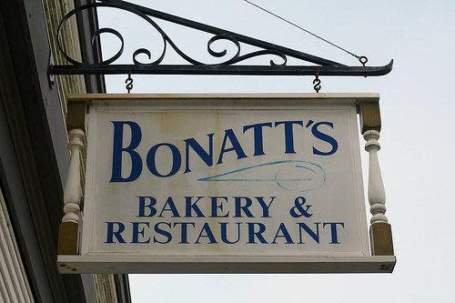 PhotoSPpjP at Bonatt's Bakery & Restaurant