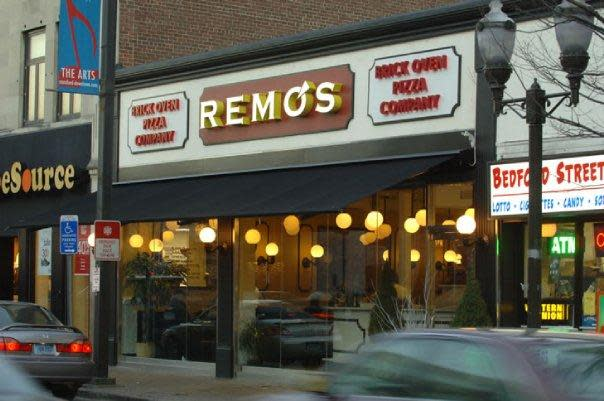 PhotoSP0oL at Remo's