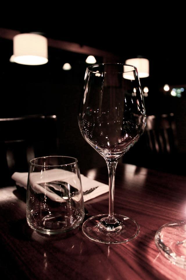 PhotoSP7ji at Commonwealth Restaurant & Skybar