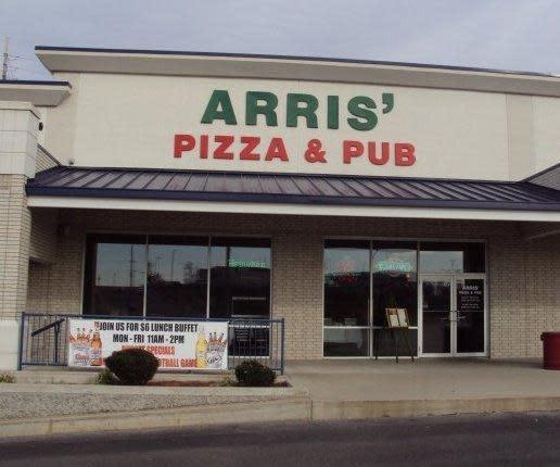 PhotoSP6AB at Arris Pizza