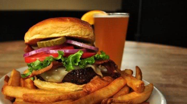 Bacon Cheeseburger at California Dreaming